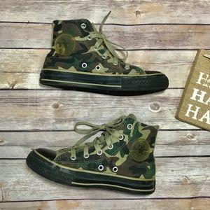 Converse Camo Hightop Boys sneakers GUC size 1